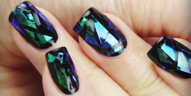 Дизайн ногтей в стиле битое стекло