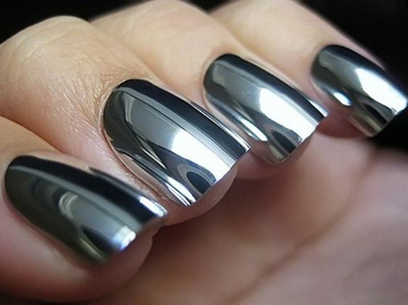 Зеркальный дизайн ногтей